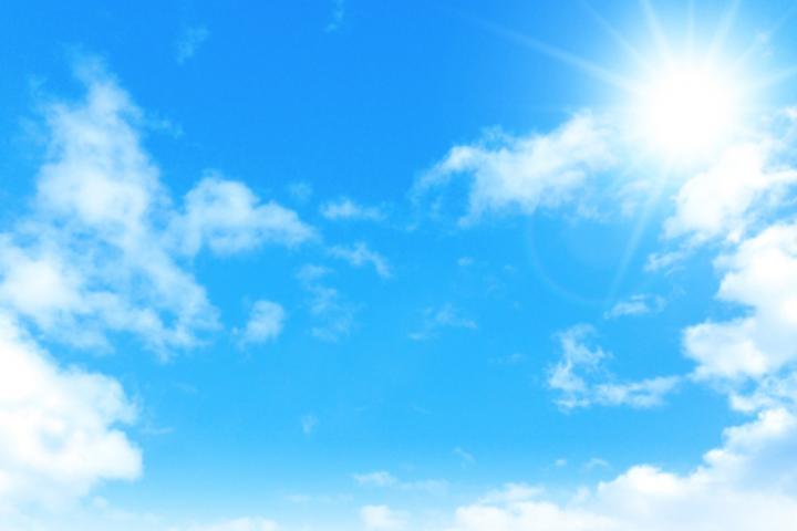 燦々と輝く太陽