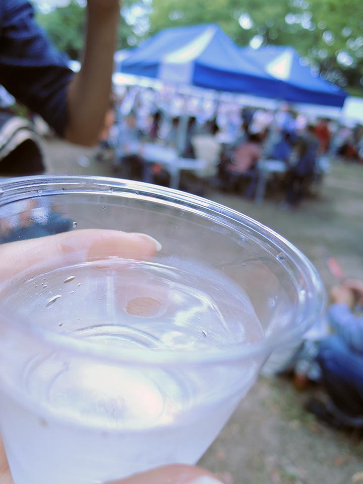 コップの日本酒はナミナミ