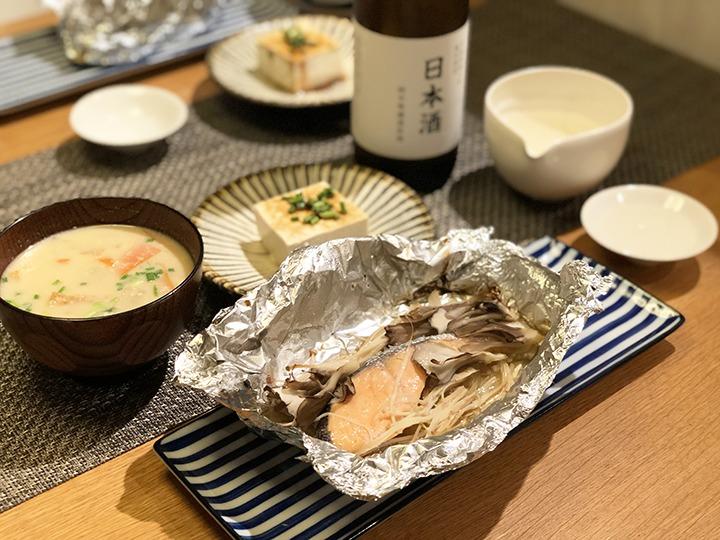 鮭とマイタケとエノキをホイル焼き
